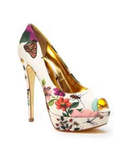 Para las que quieren primavera todo el año, estos zapatos de Ted Barker son el par perfecto. 80 dólares en ideeli.com