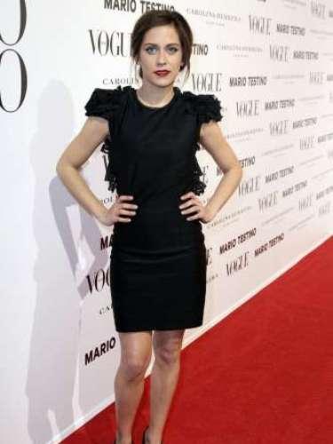 María León, vestida de Vicky Martin Berrocal, reconoció estar muy feliz entre tanto glamour.