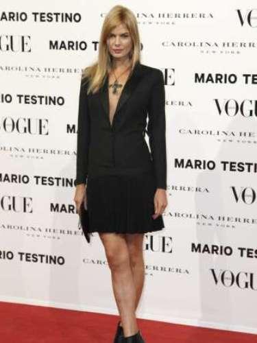 Cristina Tosio cumplió la etiqueta exigida y vistió de negro.