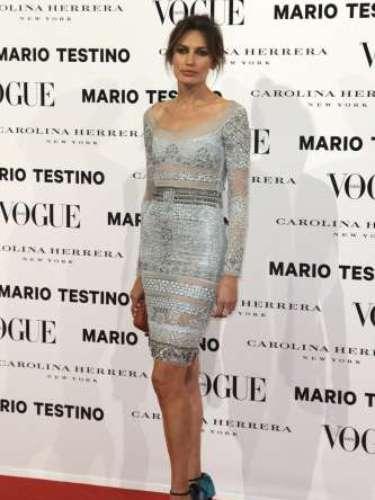 Nieves Álvarez fue una de las más elegantes de la cita con Vogue España. La modelo, que acaba de celebrar el quinto cumpleaños de sus mellizos, lució un vestido color plata con incrustaciones del mismo color de Emilio Pucci.