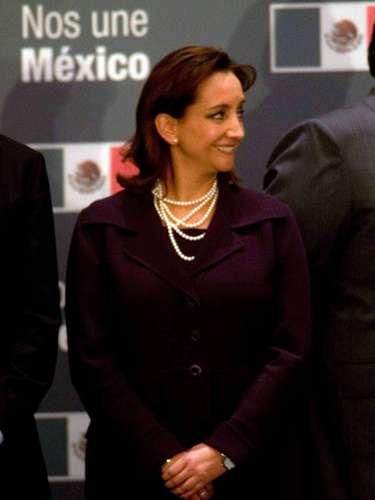 Secretaría de Turismo. Será ocupada por Claudia Ruiz Massieu. La priista fue coordinadora de Derechos Humanos y Transparencia del Equipo de Transición. Hija del extinto José Francisco Ruiz Massieu y Adriana Salinas de Gortari, fue diputada en la pasada legislatura. También ha sido subsecretaria del Movimiento de Vinculación Ciudadana de la CNOP.