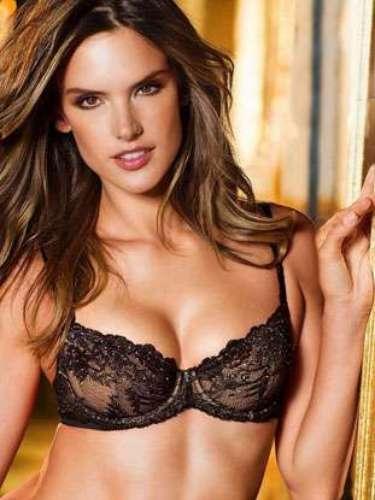 La modelo de Victoria's Secret , ALessandra Ambrosio, fue mamá nuevamente hace pocos meses de Noah Phoenix. La modelo brasileña es considerada una de las más sensuales del mundo