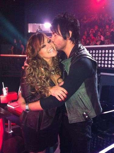 Jenni Rivera y Beto Cuevas fueron los encargados de amenizar con duetos la velada del cuarto programa en vivo de \