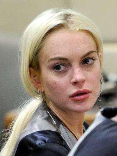 Lohan también cumplió con 35 días de arresto domiciliario por el caso del collar tras no refutar los cargos que se le presentaron.