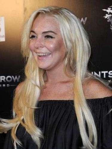 Una Lindsay de dientes amarillos sorprende a todos.
