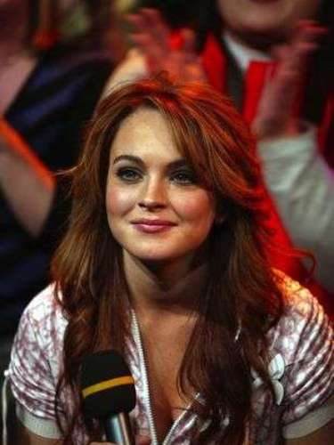 Llegó 2004 y una Lindsay adolescente se convirtió en ídolo de las chicas con sus películas Confessions of a Teenage Drama Queen y Mean Girls.