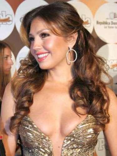 Thalía es mamá de Sabrina Sakaë y de Matthew Alejandro , mantiene su cuerpo intacto luego de tener esos dos bellísimos hijos.