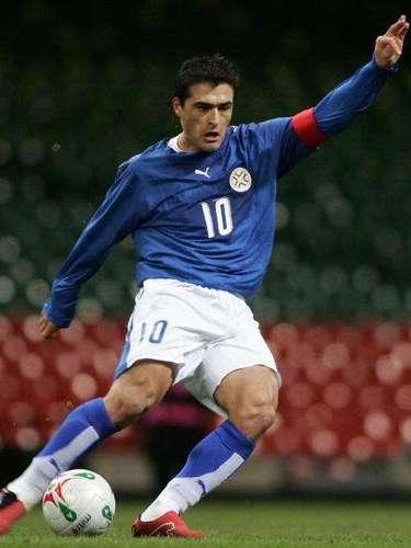 El 'Toro' Acuña fue el gran referente del futbol paraguayo en la década de los 90.