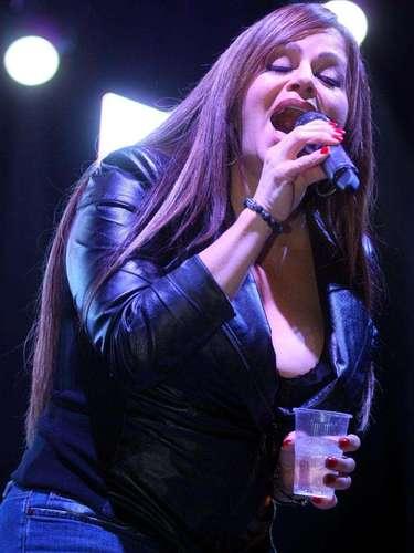 Durante un concierto en junio de 2011 un fanático de Jenni Rivera subió al escenario para mostrar su cariño a la cantante, pero Juan, hermano de la intérprete, se fue a los golpes contra el seguidor. La cantante no hizo nada para detener a su hermano, posteriormente se justificó alegando sorpresa por la violenta reacción de Juan Rivera.
