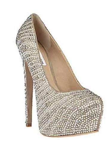 Para sentirte y verte simplemente divina, estos zapatos de Steve Madden. 150 dólares en stevemadden.com