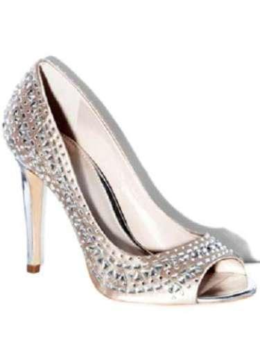 Zapatos de Vince Camuto para pisar fuerte donde vayas. Cuestan 139 dólares en vienen en varios colores.