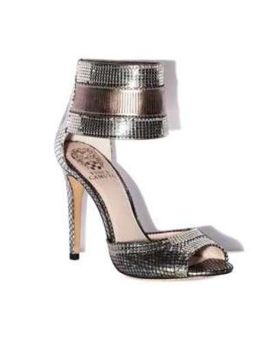 Metalizados, sofisticados, adorables. Zapatos de Vince Camuto por 139 dólares.