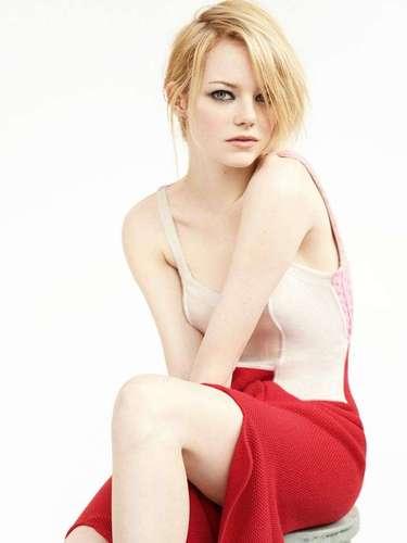 #5 Emma Stone La actriz tuvo un maravilloso 2012 con su participación en la cinta 'El Sorprendente Hombre Araña'.