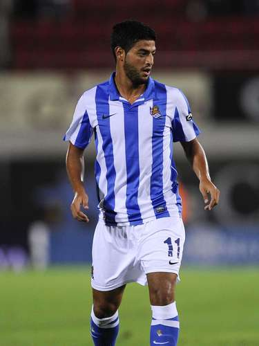 The 2012-13 season Vela has scored 6 goals and 3 assists and keeps leading his club's attack.