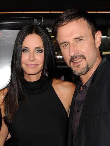 En junio del 2012 el divorcio entre Courteney Cox y David Arquette se hizo oficial después de dos años separados. La pareja se separó por infidelidades de David