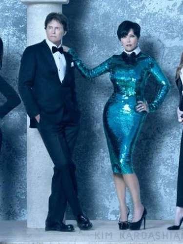 'Me encantan nuestras fotos de la postal navideña, creo que se ven espectaculares', dijo Kim en su post, al presentar la postal que incluye a la familia Kardashian con la versión extendida