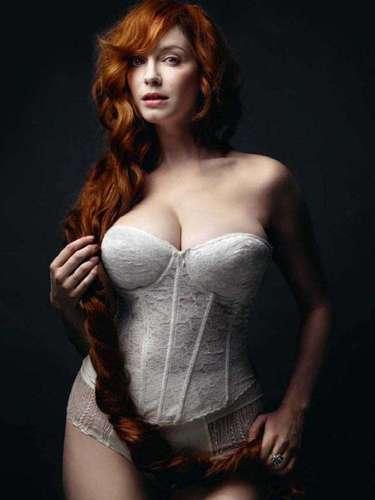 Christina Hendricks rompe con los estereotipos de belleza de televisión, su voluptuoso cuerpo atrae a los televidentes en 'Mad Men'.