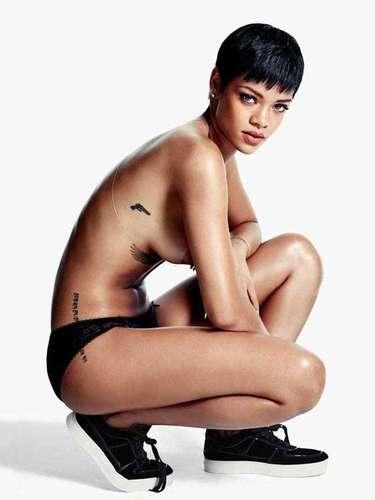 Rihanna, la cantante más popular del momento,presume su sensualidad a la primer provocación.