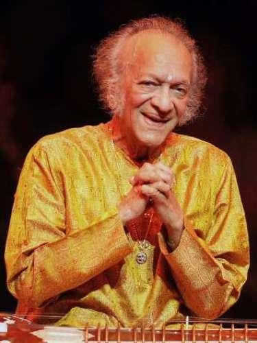 RAVI SHANKAR  Famoso sitarista y papá de la gran Norah Jones, Shankar dejó este mundo a los 92 años tras una cirugía del corazón.
