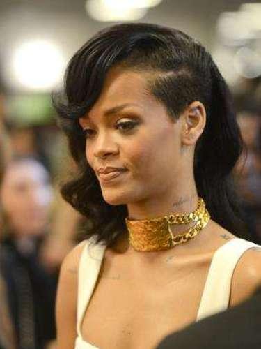 Rapar: muchas famosas, como Rihanna (foto) y Kesha, adhirieron al corte, que consiste en rapar sólo uno de los lados de la cabeza. Pero el modelo al parecer no agradó a todos.