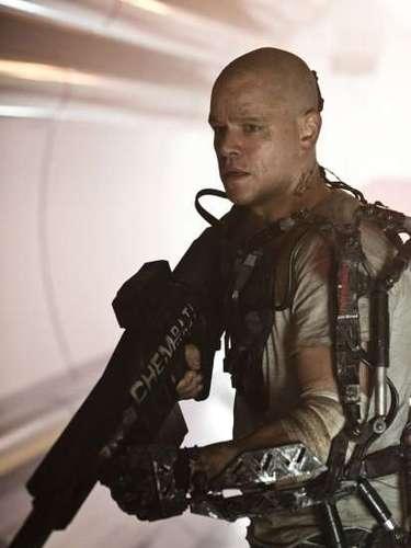 ELYSIUM (9 de agosto)  Matt Damon ofrece una transformación física más allá de la pérdida de su cabellera, en esta aventura en la que los ricos viven en una estación espacial, y los pobres en lo poco que queda del planeta Tierra. El actor interpreta al guerrero que podría devolverle la igualdad a la humanidad.