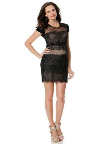 Otro vestido de encaje para embarazadas: 149 dólares en thepodinthepie.com. (BCBG)