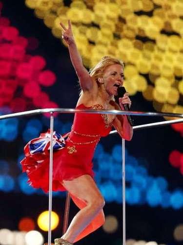 Geri Halliwell: Antes de entrar a las Spice Girls, a inicios de los 90 la cantante se dejó fotografiar desnuda, y estas imágenes volvieronpara molestarla, puesto que la revista Hustler las adquirió para publicarlas como su portada de junio de 2008.