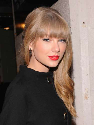 The Recording Academy announced Rihanna and Taylor Swift will be performing at the Grammys this year. Rockers the Black Keys,  fun. are not only nominated for multiple awards but will make their stage debuts on the award show along with Brit folksters Mumford & Sons. The Grammys will be airing live on CBS from the Staples Center in Los Angeles on Feb. 10.
