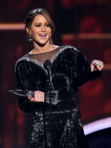 Jennifer Lawrence fue elegida como la Actriz Favorita de Cine de Acción por The Hunger Games, premio que aceptó con mucha humildad, ya que asegura que la fama no es lo suyo.