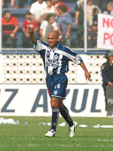 In 2001, Pablo Hernan Gomez was died in a car accident. His number '20' has been retired by Pachuca since then.
