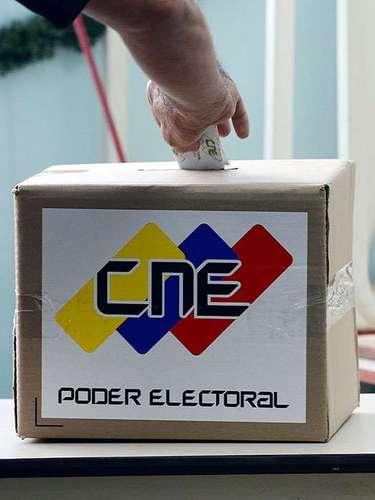 La oposición también señaló que Cabello, una vez asumiera el cargo de presidente en ausencia de Chávez, debía convocar a nuevas elecciones pasados 30 días.