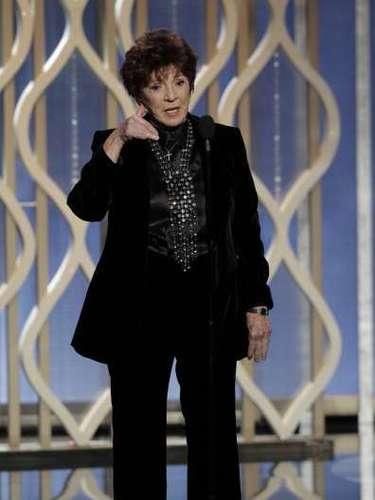 La presidenta de la Asociación de Prensa Extranjera en Hollywood, la doctora Aida Takia-O'Reilly le pidió a Bradley Cooper: \