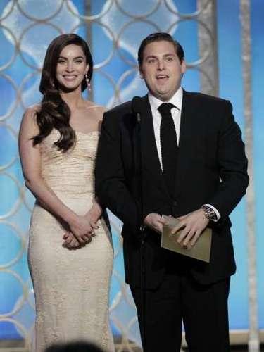 Una de las parejas de presentadores más bizarra fue la formada por Megan Fox y Jonah Hill. Éste último actuó como si fuera el amante dominante que trae a Fox muerta.