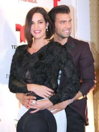 Jencarlos turned up the heat by getting close to his co-star, Monica Spear.