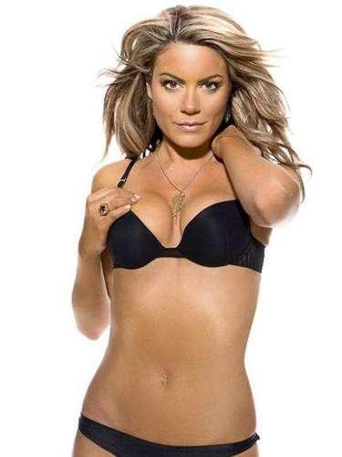 Charlotte Jackson es la presentadora de noticias de la cadena inglesa Sky Sports. Es considerada una de las más bellas del mundo deportivo.