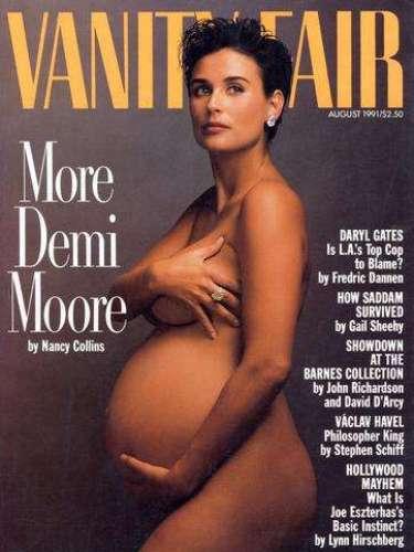 Demi Moore marcó tendencia con su posado en 1991. La adamada fotógrafa Annie Leibovitz consiguió retratar el estado de gestación de la actriz en esta foto.