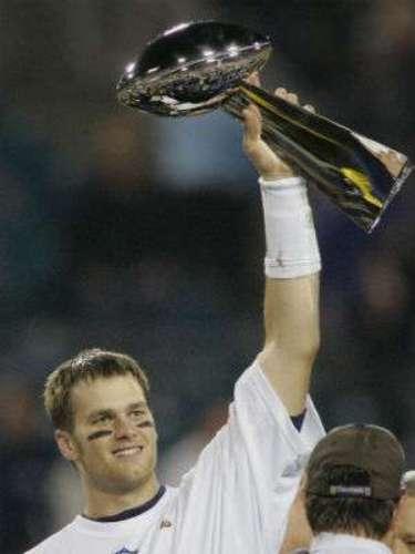 New England Patriots ganó el Super Bowl XXXIX a costa de los Filadelfia Eagles al vencerlos 24-21.