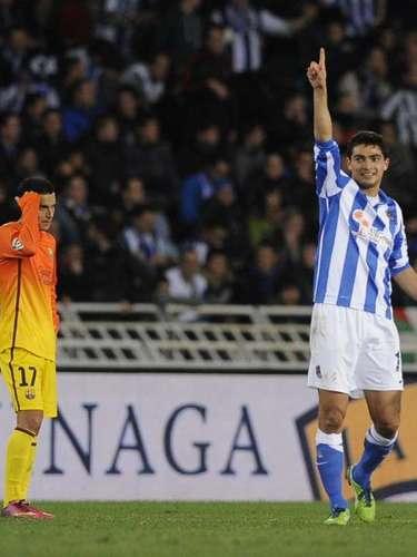 Barcelona lo ganaba 2-0 y terminó perdiendo por 3-2 en Anoeta ante la Real Sociedad. Así, no logra una victoria en ese campo desde 2007, y perdió su invicto en la actual temporada.