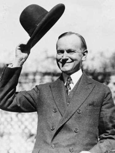 CALVIN: Inspirado en el presidente Calvin Coolidge. Es un nombre de origen francés y también corresponde a un famoso diseñador: Calvin Klein.