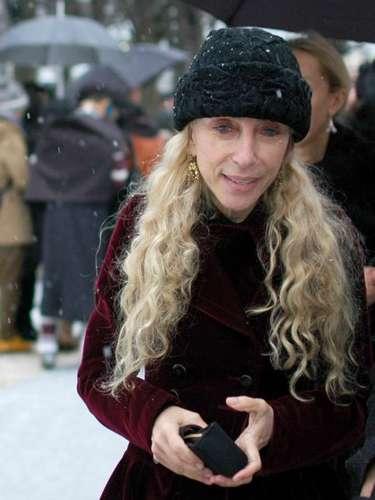 Franca Sozzani, de Vogue Italia, también eligió un sombrero en Astrakhan.