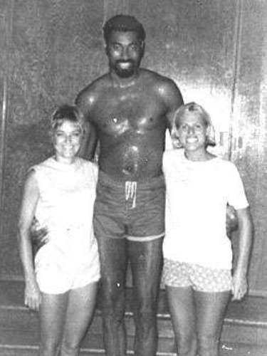Wilt Chamberlain. By now, everybody has heard Chamberlain's claim that he slept with 10,000 women in his autobiography. Whether he exaggerated or not, Wilt the Stilt was a certified playa!