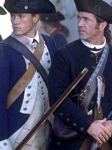 En 'El Patriota' alternó junto a Mel Gibson e interpretó a su hijo (2000). Papeles como el de 'Gabriel Martin' le hicieron ganar notoriedad ante la crítica y el público cinéfilo.