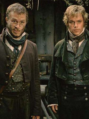 ¿Sabías que Damon y Ledger fueron elegidos para interpretar cada uno el papel del otro en 'Los Hermanos Grimm'? Ambos actores pidieron intercambiar sus roles antes de comenzar el rodaje.