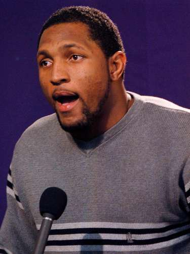 Lewis fue enviado a juicio y se declaró culpable de obstruir la justicia, fue sentenciado a 12 meses de libertad condicional y tuvo una multa de 250 mil dólares.