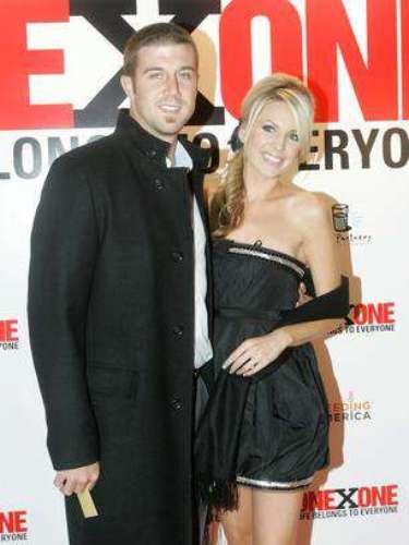 El otrora mariscal de campo titular de los 49ers, Alex Smith, está casado con la bella Elizabeth Barry.