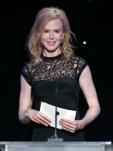 Nicole Kidman además de presentar un premio, fue a apoyar a su amiga Naomi Watts