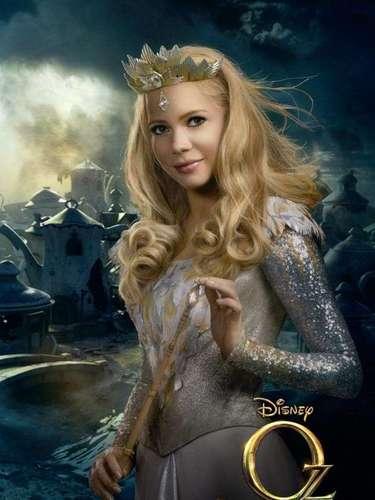 Michelle Williams da vida a 'Glinda', la bruja buena del sur, la cual en el filme original ayuda a 'Dorothy' a vencer a la bruja mala del este y así poder regresar a su casa.