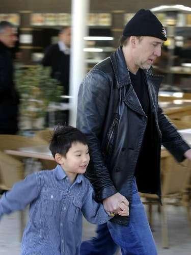 El hijo más pequeño de Nicolas Cage se llama Kal-El Coppola. Kal- El era el nombre de Super Man en su planeta de origen, Krypton.