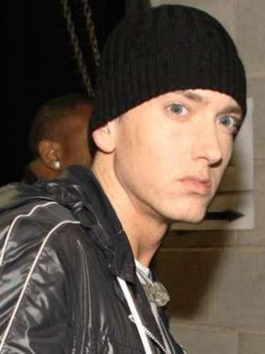 En el 2002, Eminem, Jeff Bass y Luis Resto compusieron 'Lose Yourself', para la película '8 Mile'. La anécdota es que el rapero no se presentó a recoger su premio, ya que pensó que \