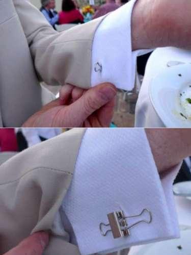 Las mancuernillas son un detalle de distinción en la ropa masculina y sin duda este par es difícil de ignorar y no aprobar.